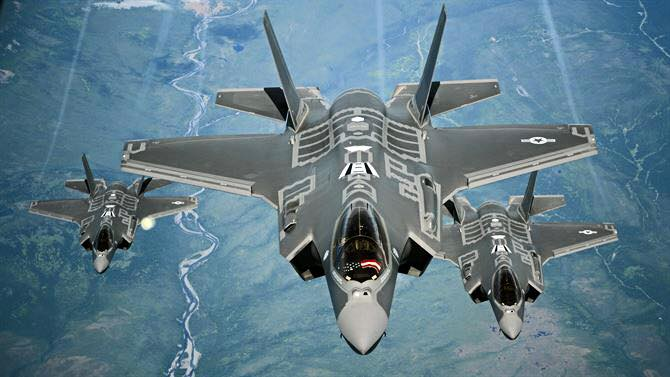 Lightning Aircraft F-35A Receives Combat Ready